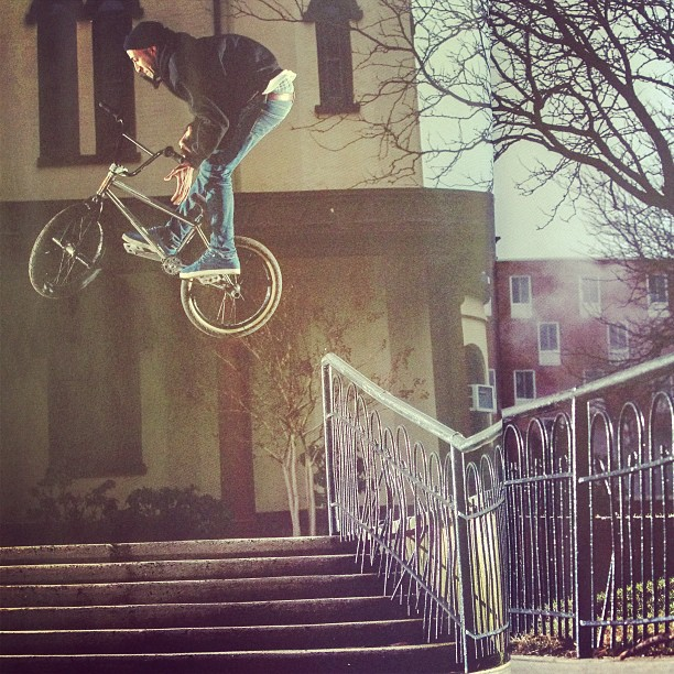 #dolecki photo of @jaredwashington as seen in @digbmx big hefty up rail to 180 bars the fucking hard way.